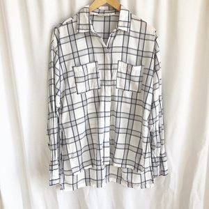 Abercrombie & Fitch black and white plaid shirt